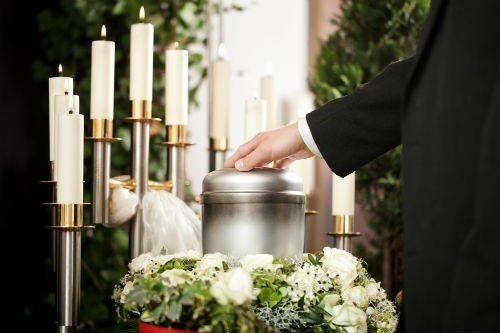 Three Advantages of a Cremation Service